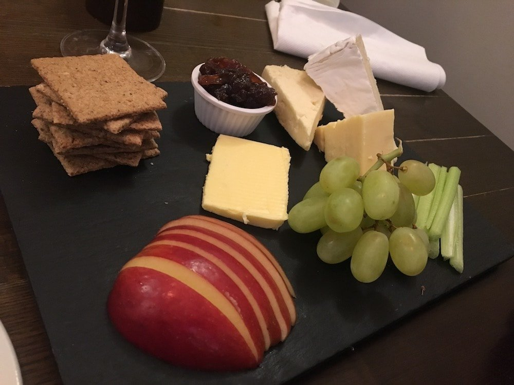 slate cheese biscuits apple grapes chutney