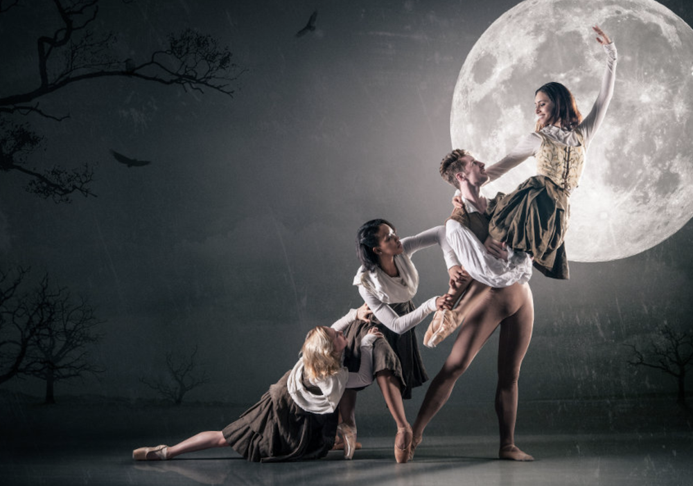 ballet dancers full moon