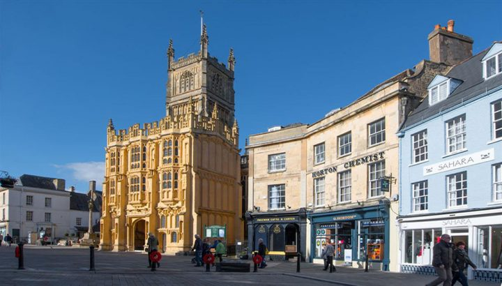 row of pretty houses in Cirencester