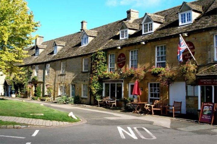 cottages in Stow on the Wold
